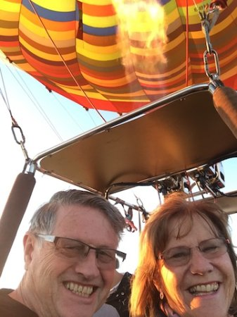 Magaliesburg, Sudáfrica: Up. Up & Away in our beautiful Balloon