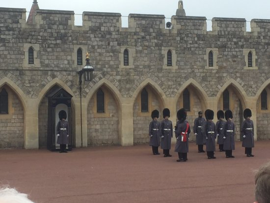 Windsor Castle: Changing of the guard at 11:00