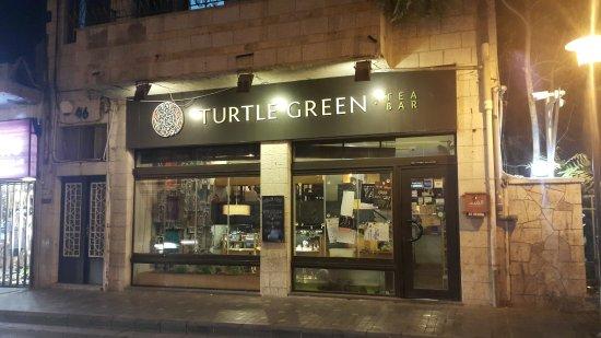 Turtle Green tea bar : Street front