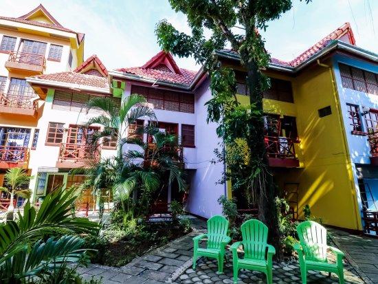 the Club Ten Beach Resort Boracay: Hotel Building