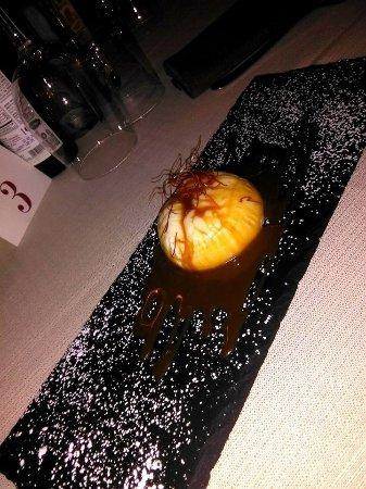 Campello sul Clitunno, Italia: Panna cotta con salsa toffee aromatizzata al tartufo