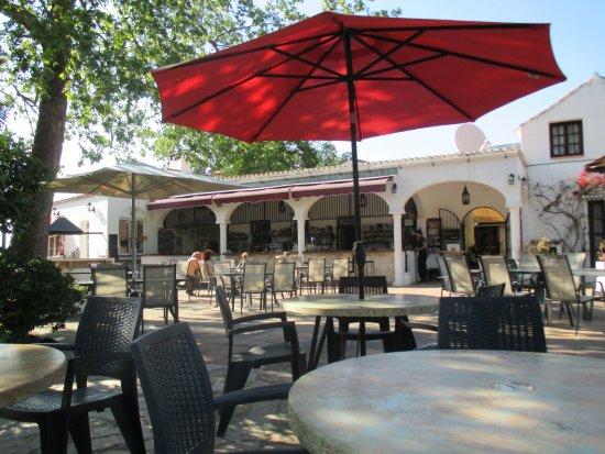 Альяурин-эль-Гранде, Испания: terrace and bar