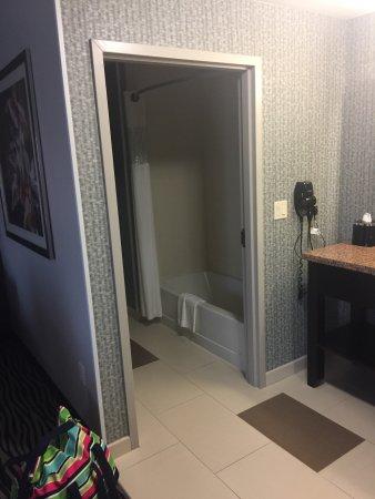 Hampton Inn & Suites Tulsa Central: photo2.jpg