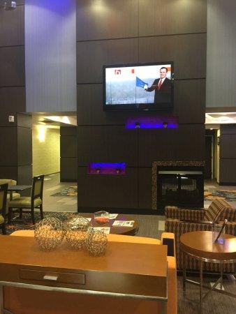 Hampton Inn & Suites Tulsa Central: photo5.jpg