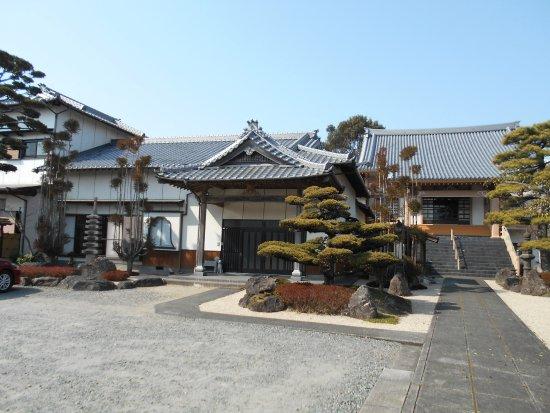 Hakutoji Temple
