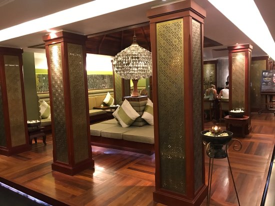 The Privilege Floor by BOREI ANGKOR: photo0.jpg