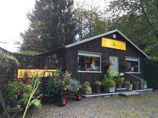 Comrie, UK: Riverside Garden Centre and Art Gallery