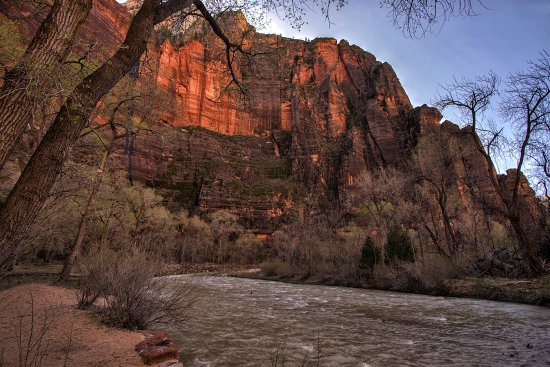 Zion Canyon Scenic Drive: Virgin River at the Temple of Sinawava