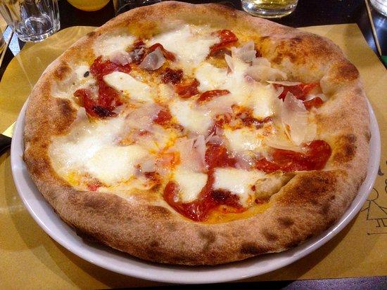Gorgonzola, Италия: pizza superpiccanta