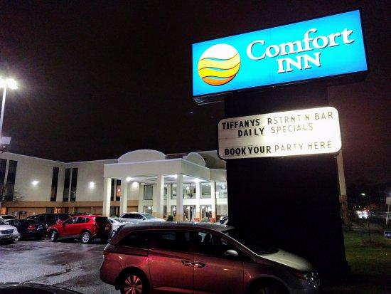 Des Plaines, Ιλινόις: Hotel und Parkplatz