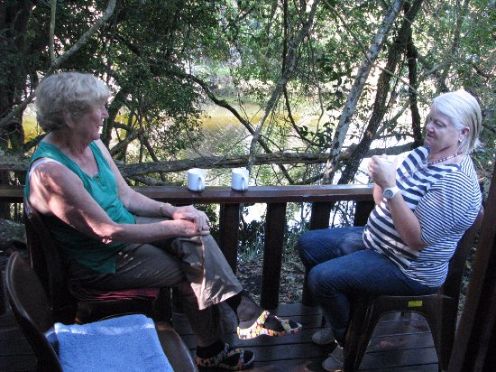 "Nature's Valley, Afrique du Sud : Sitting on our Cabin""s deck"