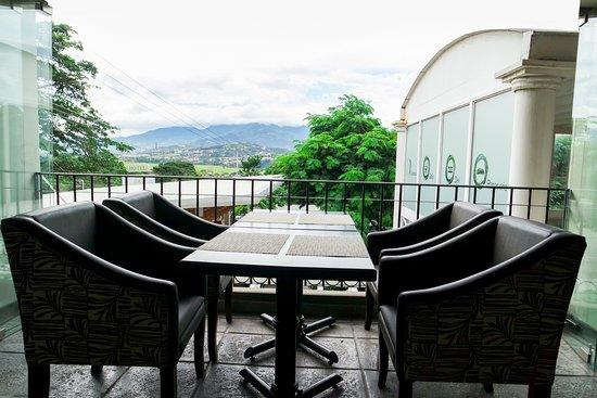 San Antonio De Belen, Costa Rica: Terraza de gastrobar