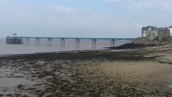 Clevedon, UK: The Pier and Toll House from the Promenade