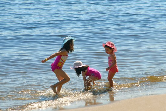 Severn Bridge, Kanada: Fun in the sand on Sparrow Lake
