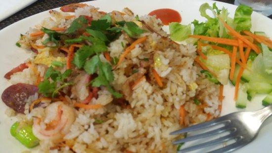 Arcueil, Francia: Porc laqué au riz et crevettes