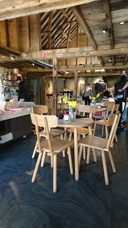 Ditchling, UK: Lovely cafe and shop