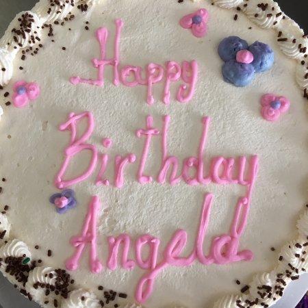 Litchfield, Коннектикут: Custom made cakes.