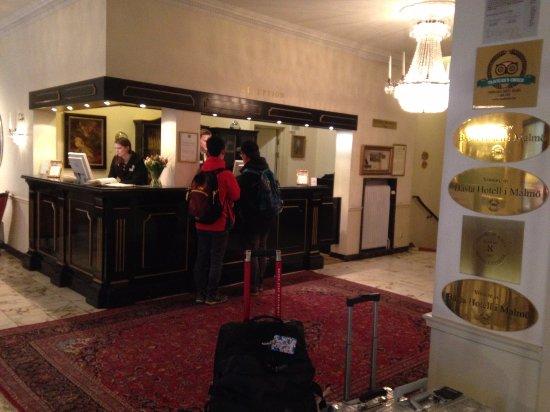Mayfair Hotel Tunneln: 酒店大廳