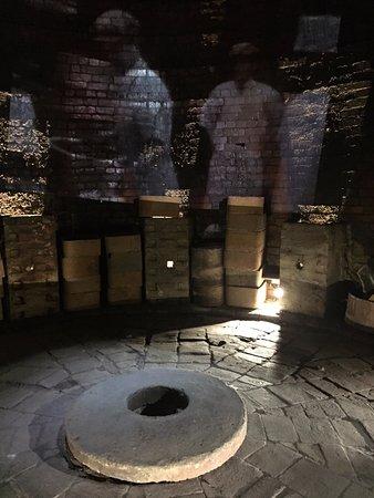 Burslem, UK: Inside the old Kiln