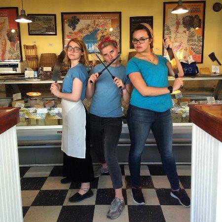 Mattituck, NY: Staff!