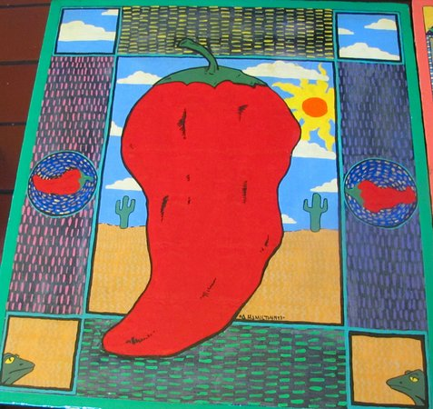 Kingston, Estado de Nueva York: Hand painted chili pepper table