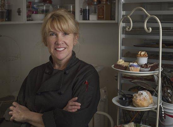 Эбботсфорд, Канада: Tracy making High Tea