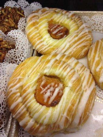 Main Street Bagels Artisian Bakery & Cafe Image