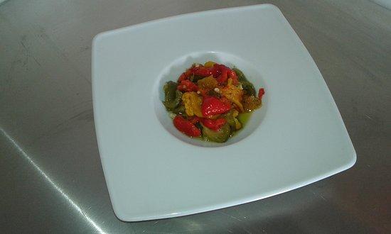 La Cadiere d'Azur, Frankrig: Salade de poivrons à l'ail