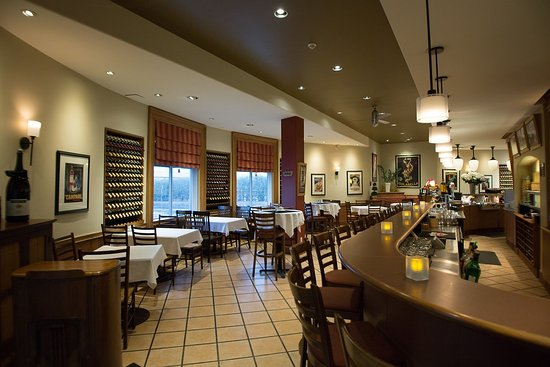 Pasto's Grill: Bar area