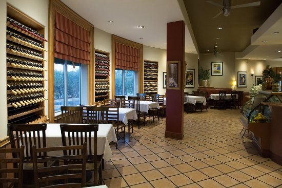 Pasto's Grill: Restaurant Interior - great space for groups up to 30