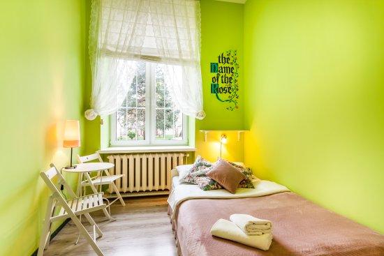 The Secret Garden Hostel: Pokój 2 osobowy z łazienką ogólnodostępną na korytarzu