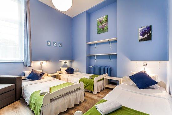 The Secret Garden Hostel: Pokój 3 osobowy z łazienką ogólnodostępną na korytarzu