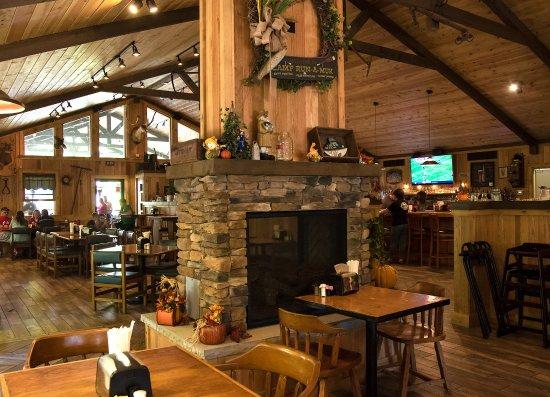 Bowden, Virginie-Occidentale : Fireplace