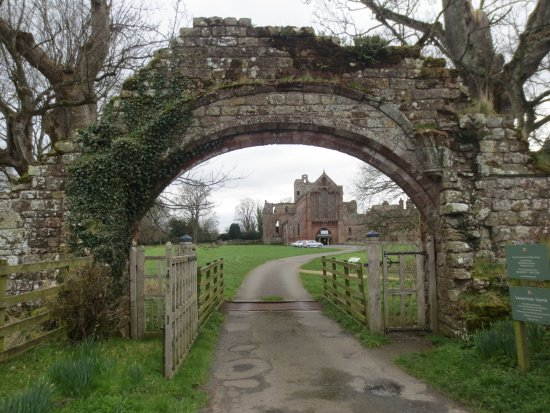 Lanercost Priory and Arch 10 March 2017