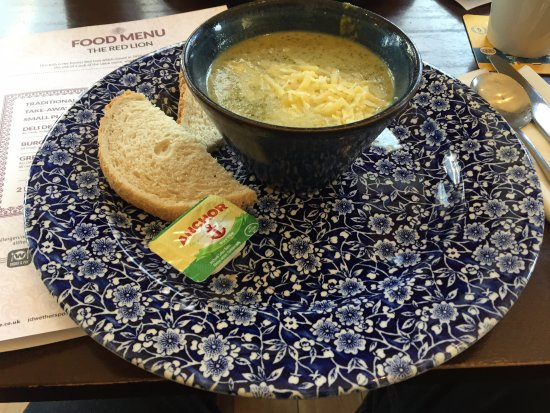 Ripley, UK: Soup and bread