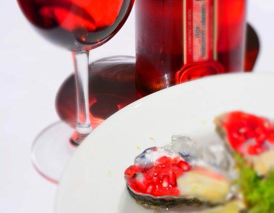 Centurion, Sudáfrica: vodka cranberry pomegranate oysters