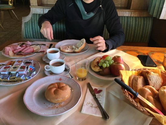 Telfs, Austria: Breakfast