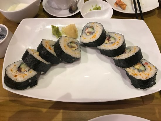 Sri Jayawardenepura, Sri Lanka: Sushi off the belt and sushi rolls