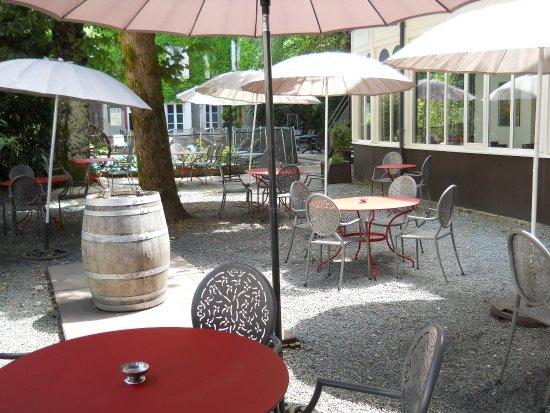 Lacaune, Francia: la terrasse et piscine