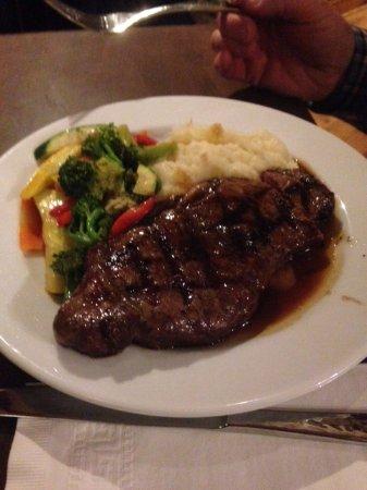 Sergeantsville, Νιού Τζέρσεϊ: Steak, mashed potatoes and veggies