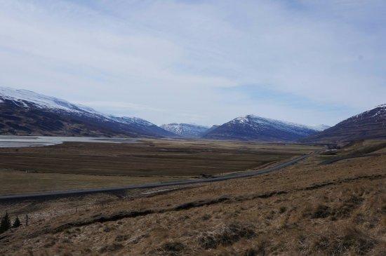 Egilsstadir, Islandia: The lake.
