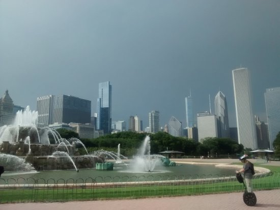 Photo of Monument / Landmark Buckingham Fountain at Grant Park, Chicago, IL 60605, United States