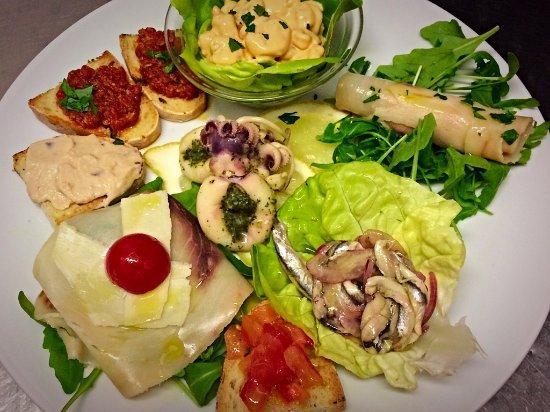Монтескудайо, Италия: alcuni piatti succulenti della serata ...