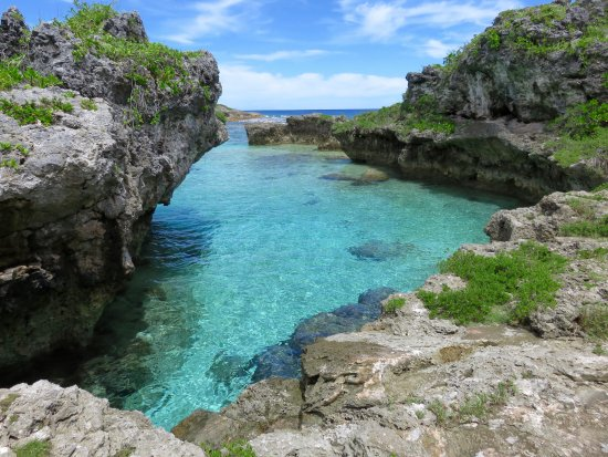 Limu Pools : Quite warm waters and decent snorkelling