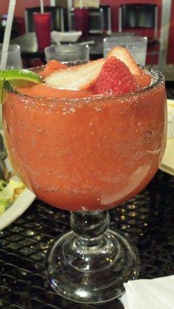 La Vallesana: Strawberry margarita