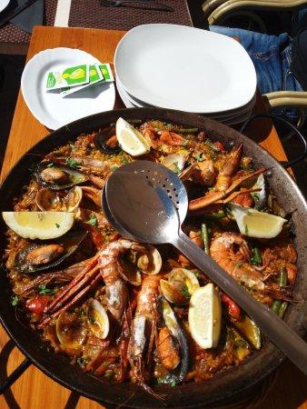 Caimari, Ισπανία: paella para tres.