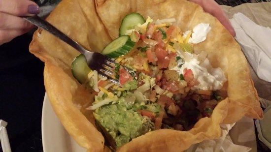 La Vallesana: Taco salad (no meat) still full price. (Friends)