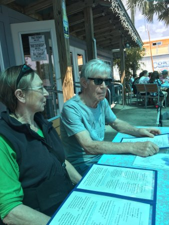 Cortez, FL: Friends from Belgium visiting us locals. Great place