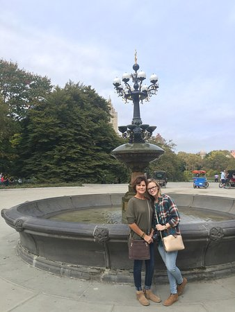 Our Motherdaughter Trip Included The Famous Gossip Girl Tour In A