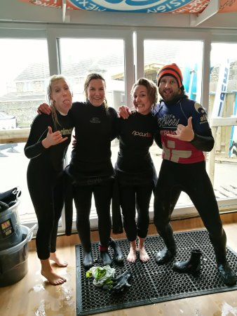 Ticket to Ride Surf School : Post surf with Julian!